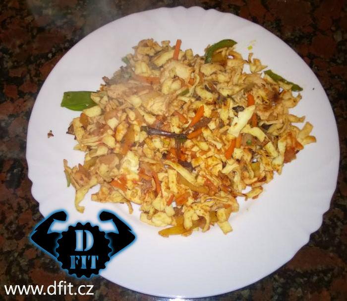 Šmakoun nudle se zeleninou čína